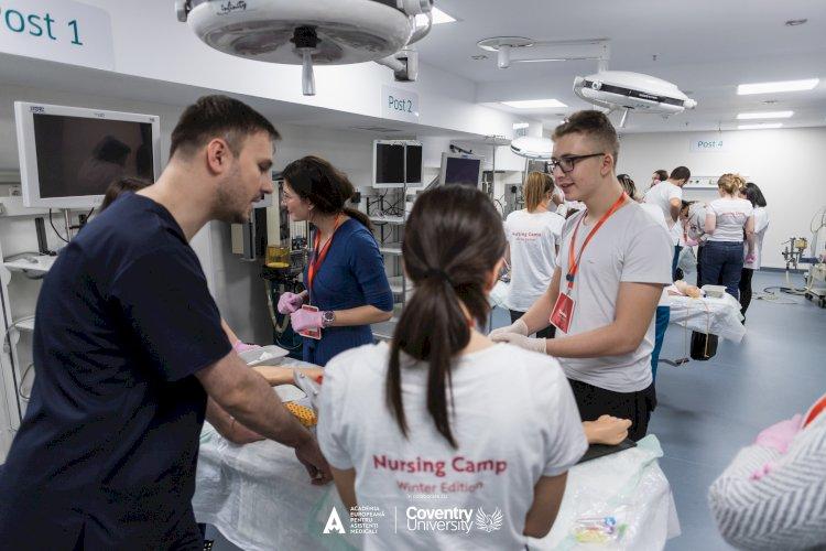 Studii universitare pentru asistenți medicali din România, cu diplomă oferită de Coventry University